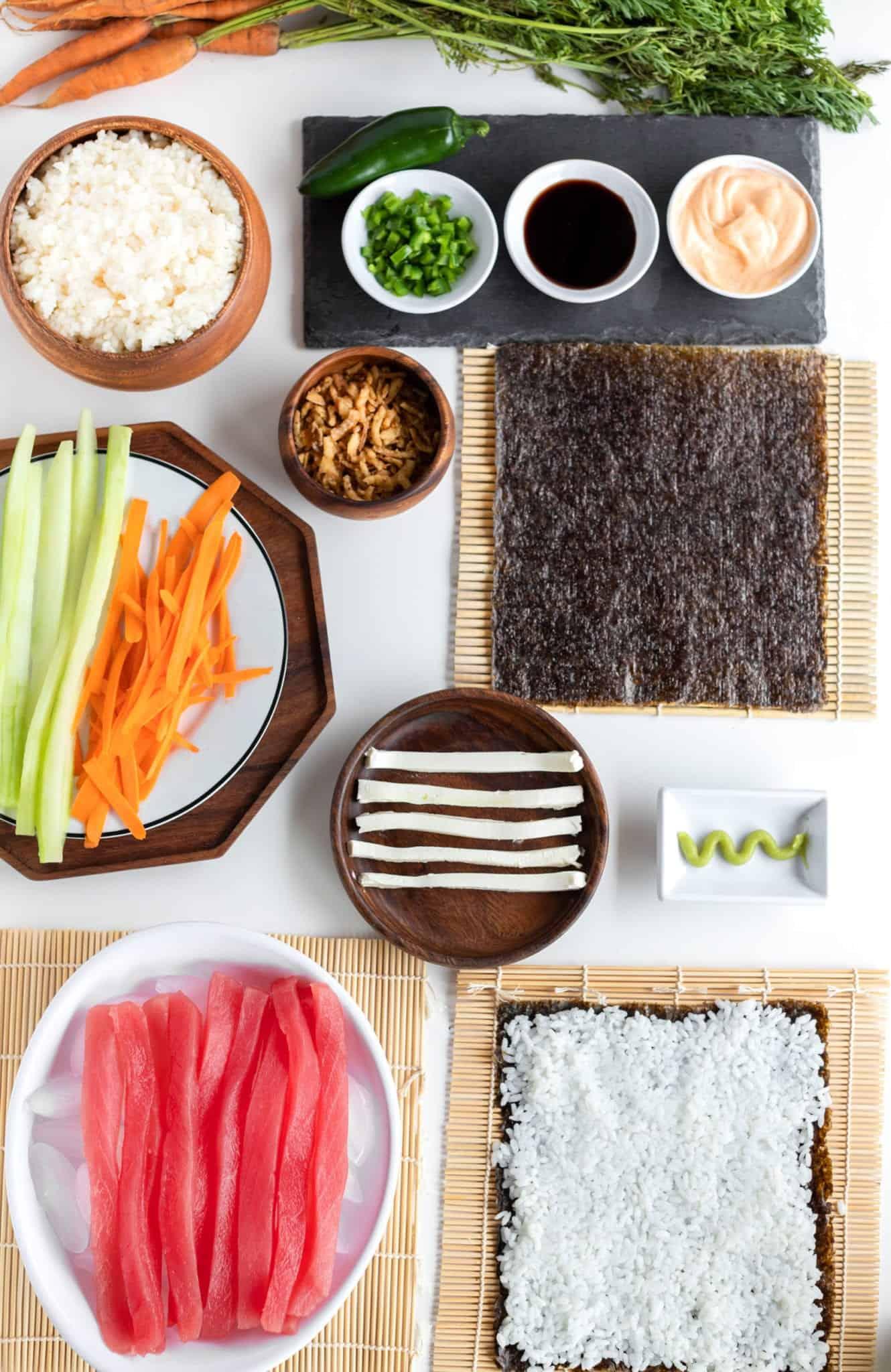 Spicy Tuna Roll Prep #sushi #spicytunamaki #sushirecipe #spicytuna #sushirollrecipes #spicytunamaki #crunchyspicytunaroll